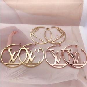 여성 여자 매매 핫 2020 패션 쥬얼리 편지 귀걸이 큰 대형 5cm 원 문자 후프 귀걸이 여름 보석 과장