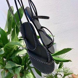 Горячая распродажа-2019 женские летние сандалии с заклепками, стильные и элегантные удобные плоские шлепанцы