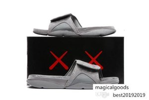 Hot New Kaws 4s X Hydro Retroes 4 Cool Grey Slippers Iv Sandals Slides Basketball Shoes Sneakers Glow In Dark Size 7-12v 930155-003