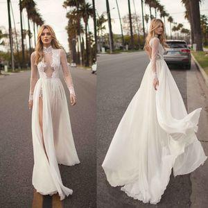 2019 Vintage Muse By Berta Vestidos de novia bohemios Una línea de encaje apliques Side Split Cuello alto Sexy Vestido de novia de playa Más el tamaño Vestido de novia