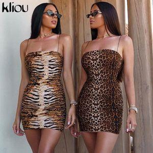 Spagetti Askı Seksi Elbise Kadınlar Sonbahar kolsuz askısız kılıf Mini BODYCON Elbise Backless Casual elbise yazdır leopard