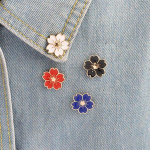 Flor de cerezo Broche de color dorado Botones de alfiler Alfileres de alfiler para bolsos Regalo de joyería de estilo japonés para niñas Broche
