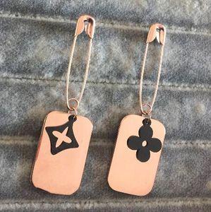 Neue Ankunfts-Großhandelstitanstahl Pin-Block-Anhänger Quaste Ohrringe 18K Silber / Gold / Rose Ohrringe Gold Damen-Großhandelspreis