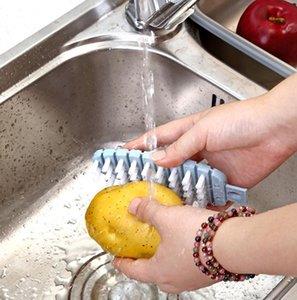 Multi-fonctions 1PCS de pommes de terre Brosse légumes fruits Brosse pommes de terre Outils Nettoyage facile Cuisine Gadgets