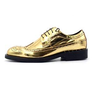 Runway Goldene Herren-Hochzeitskleid-Schuhe schnüren sich oben Flügelspitze Brogue Schuhe Top-Qualität Leder Blockabsatz Büro-Party Formal Sapatos