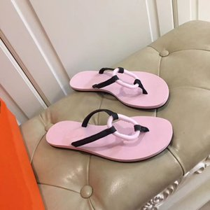 2020 new top designer slippers men's and women's fashion herringbone buckle slippers summer beach shoes bathroom antiskid flat bottom 0879