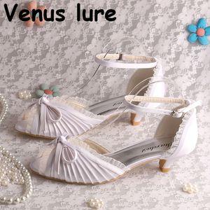 Satin White Brautbrautschuhe niedrige Ferse-Frauen-Sommer-Schuhe mit Bowtie