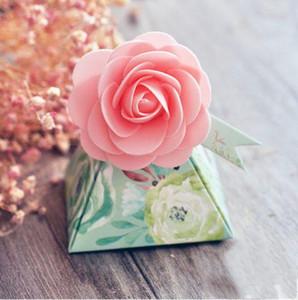 Favores de 90 piezas de Estilo creativo Caja de regalo rosada de la flor de la pirámide triangular cajas del caramelo de la boda de Bomboniera de fiesta azúcar Box