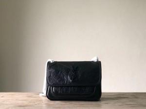 Bolsas de couro quentes femininas Bolsa de ombro com aleta de designer Couro para criar qualidade de alta qualidade Método multicamadas de grande capacidade com várias camadas