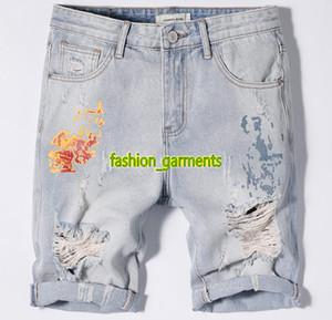 2019 Summer New Hole Denim шорты Mens тонкий светло-голубой джинсовой ткани Брюки мужские стилист Брюки прямые джинсовые шорты мужчин Личностей печати джинсы