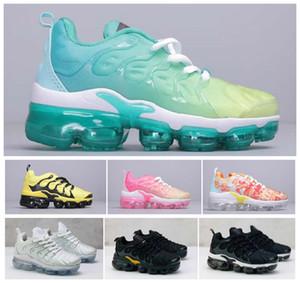 Yeni 2019 Kadın Çocuklar Artı Çocuk Ebeveyn Çocuk Rahat Ayakkabılar Erkek Bebek Kız Tasarımcı Sneakers Beyaz Açık Eğitmen Ayakkabı Boyutu EUR 24-35