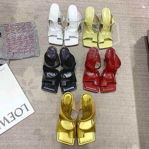Designer-Schuhe Fersen Platz Zehesandelholz Mode Luxus-Designer-Frauenschuhe High Heels Pantoffeln für Frauen beste Qualität Designer Flip-Flops