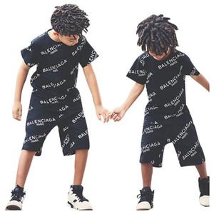 enfants Vente chaude Survêtement set costumes garçons manches courtes lettres d'été T-shirt + short 2pcs / set garçons occasionnels vêtements ensembles garçons vêtements A9068