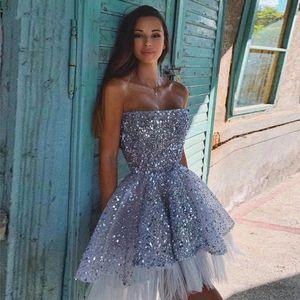 2020 Sparkly Paillettes Backless del vestito da cocktail corto compleanno abiti senza spalline Mini Prom Dresses Homecoming spettacolo Wears