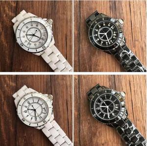 2018 숙녀 백색 까만 세라믹 시계 고품질 석영 시계 여성을 위해 Wristwatches