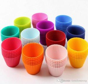 12piece / set colorato di spessore della torta del silicone stampo per muffin Coppe 7.1cm Sbuffi grata del ghiaccio muffa della gelatina della muffa