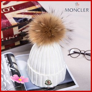 2019 NUOVO nobili di modo Pompoms donne con il Real cappello invernale Raccoon calda lavorata a maglia Cappelli Cappelli femminile unisex Cappelli