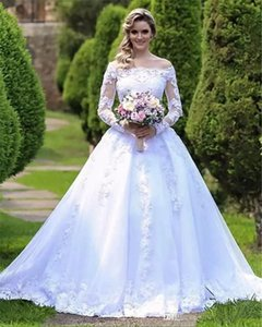 Long Seeve Lace Garden Wedding Dresses 2019 New Court Train Applique Vintage A-Line Off-the-shoulder Bridal Gowns Vestido De Novia W201