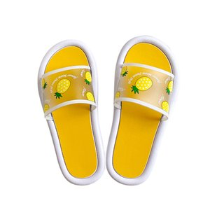 2020 new bathroom antiskid couple breathable soft bottom sandals summer strawberry lovely indoor household flip flops