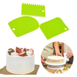 3PCS / Lot Crème Scraper irrégulière dents bord bricolage Scraper décoration de gâteau coupe-pâtisserie Fondant Outils de cuisson Spatules