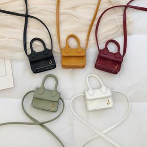2020 neue Art-Online Promi Tasche Frauen Kleine neue Art-Western-Schulter-INS-Tasche Vielseitige Mini nette Geldbeutel-Handtaschen