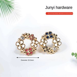 Luggage hardware metal and accessories accessories plum blossom jewelry label metal Garland trademark