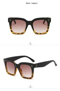2020 Kim Kardashian Sunglasses Lady Flat Top Eyewear Lunette Femme Women Luxury Branded Sunglasses Women Rivet Sun Glasse