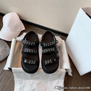 Son Siyah 2020 Koleksiyonu Velcro Baba Plaj Sandalet, 20P Deri kadın Terlik Mules Çok renkli boyutu 35-40 süet