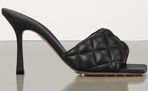 Las mujeres acolchado marca de tacón alto sandalias de la muchacha de moda de verano plana del deslizador de la señora del diseñador de cuero acolchado plana Squared Sole Diapositivas