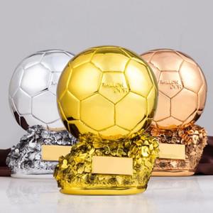 Ventilador de fútbol del campeón del fútbol de la Copa Titán trofeo Balón de Oro que anima recuerdos Arte de la resina de recuerdo Trofeos