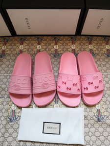 Nuevo estilo de 2020 hombres de diseño del diseñador casuales y mujeres sandalias planas. Sencillo, cómodo y con estilo, ligero