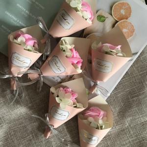 Falso Festival de día de Navidad regalo de regalo del día de la boda de Rose Jabón Valentín flor de las flores artificiales de madre del ramo flores de Rose BH2952 TQQ