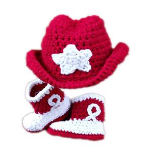 Super cool nouveau-né cow-boy tenues, tricoté à la main au Crochet bébé garçon fille chapeau de cow-boy rouge et chaussons ensemble, accessoire de photographie infantile enfant en bas âge