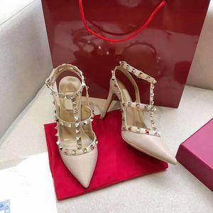 2020 Frauen hohe Absätze Party Sexy Fashion Stud Sandal befestigt spitze Zeheschuhe sexy Mädchen Wölbungsplattformpumpe Partei schwarz weiß rosa Sandale