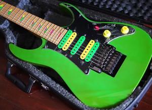 7 String Universo UV777 chitarra verde HSH raccolte del ponticello del Tremolo elettrico Piramide Chitarre intarsio hardware nero