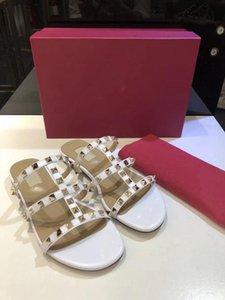Tasarımcı Lüks Kadınlar Terlik Yeni Geliş Sıcak Satış Rivets Stil Moda Stil Klasik Kalite Sandal Boyut 35-41 xshfbcl