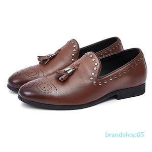 Large men's shoes 45 dermis 46 riveted tidal shoes business leisure carved LiuSu Bullock pointed leather shoes