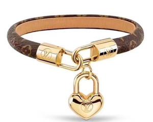 2020 new Fashion Louis Leather Bracelets for Men Woman Designers wristband Leather Flower Pattern Bracelet pearl jewelry