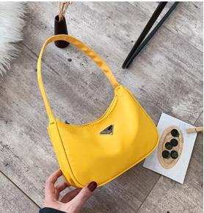 Designer piccolo sacchetto femminile 2020 di modo caldo borsa semplice spalla di lusso singolo selvaggio Casual Messenger Bag
