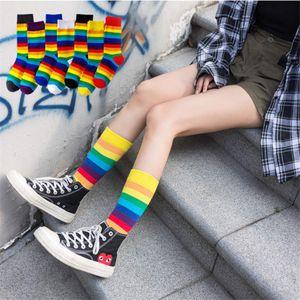 Meias de algodão arco-íris listras meias de Natal Moda Quente de Mulheres do inverno do Natal Casual Tide Meias harajuku coreano