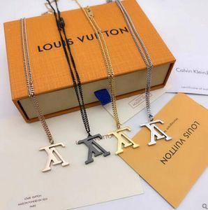 Correntes de aço Mens clássico inoxidável dos homens casal colar de moda de luxo Carta 18K real banhado a ouro Vintage pingentes colares Com caixa