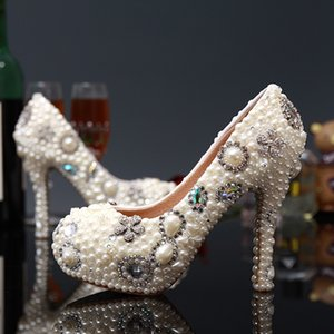 2019 Luxe Cristal Diamant Femmes Pompes À Talons Hauts Chaussures Magnifique Blanc Ivoire Fleur Perle Robe De Mariée Robe De Mariée