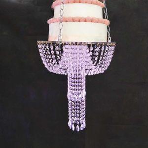 Gâteau romantique stand de luxe Hanging gâteau de mariage Porte-bagages Perles Acrylique Centres de table pour Party Decoration