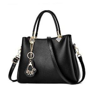 Women's bag 2020 new fashion atmosphere handbag large capacity single shoulder diagonal bag simple wild tide