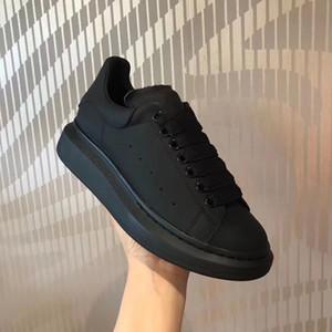 Homem Plataforma Sneakers Branco Camurça de couro Oversized Sneakers Lace Up Trainers Moda veludo cor sólida Plano Corredor ao ar livre Sapatos casuais