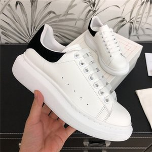 Mode Hommes Chaussures femmes Casual Belle plateforme de luxe Designers Chaussures Sneakers Party en cuir velours Tennis Chaussures New Box