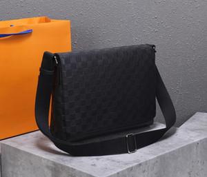 2019 novo! Uma mochila de carteiro médio. Couro macio, zíper suave, perfeito acabamento, recomendado pelo lojista!