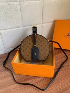 2020 best quality letter genuine Leather women handbag classic men message bag women backpack 17.5-16.5-7.5cm M43514 02