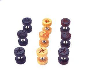 20 unids Joyería Del Cuerpo De Madera Ear Stud / Pendiente Fake Ear Plugs Túneles Trucos Illussion Plugs 16g Tres Colores Logos Envío Gratis NUEVO