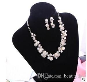 Корейский стиль дешевые Горячие Продажи Священное белое горный хрусталь кристалл цветок Faux жемчужина серьги ожерелье набор свадебные вечеринки свадебные украшения